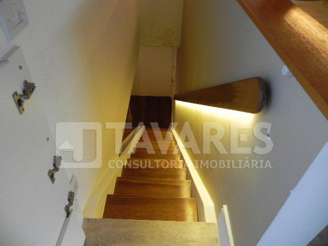 Escada acesso 2º piso
