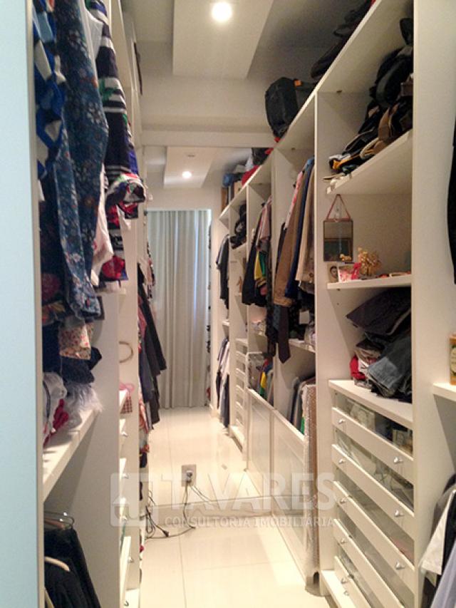 14_1_quarto_casal_suite_closet