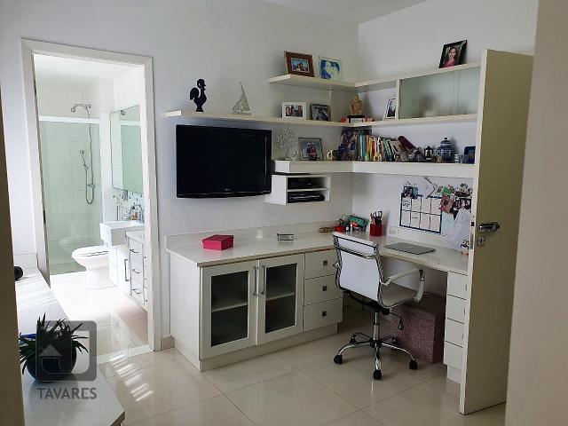 suite (1).